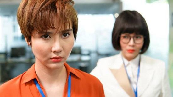 """Diễn viên giờ vàng VTV diện áo """"nửa kín nửa hở"""" khoe dáng gợi cảm """"đốn tim"""" người hâm mộ - Ảnh 2"""