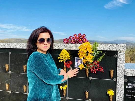 """Vợ cố nghệ sĩ Chí Tài viết """"vỏn vẹn"""" 4 chữ gây xúc động để tưởng nhớ 100 ngày chồng mất  - Ảnh 2"""