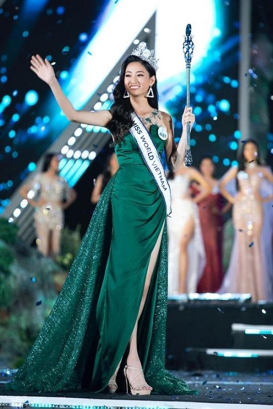 """""""Ngẩn ngơ"""" trước hình ảnh Lương Thùy Linh diện bikini, khoe đôi chân 1,22m dài """"miên man""""  - Ảnh 5"""