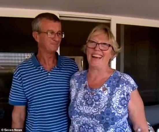"""Cặp vợ chồng được """"thần tài"""" chiếu cố, kiếm được 800.000 USD nhờ trúng xổ số đến 3 lần - Ảnh 1"""