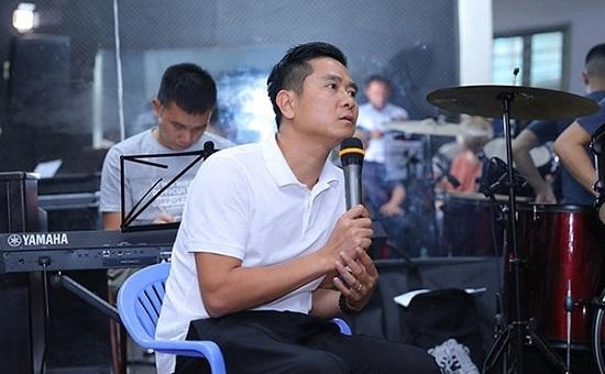 """Hồ Hoài Anh gọi bóng đá Việt Nam là """"sân chơi phong trào"""", Hoàng Bách lập tức phản biện  - Ảnh 1"""