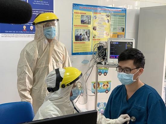 Quảng Ninh triển khai những mũi tiêm vaccine ngừa COVID-19 đầu tiên  - Ảnh 1
