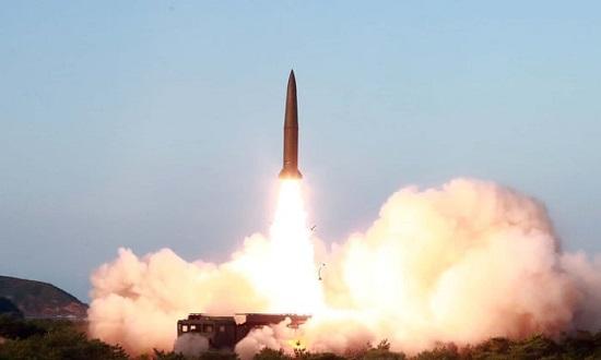 Triều Tiên lần đầu phóng tên lửa dưới thời Tổng thống Mỹ Joe Biden - Ảnh 1