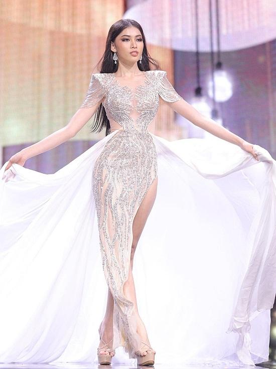 """Ngọc Thảo bị chê """"diễn lố"""" với màn trình diễn tại bán kết Miss Grand International 2020 - Ảnh 3"""