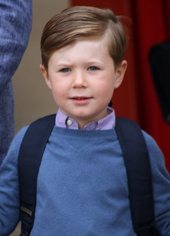 """Hoàng tử Đan Mạch 16 tuổi thần thái """"ngút trời"""", được hoàng gia săn đón mỗi khi xuất hiện  - Ảnh 5"""