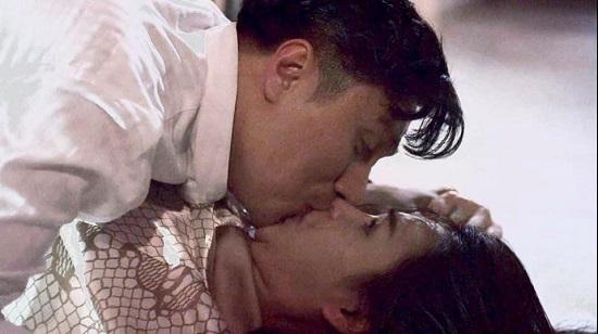 """""""Nam thần màn ảnh"""" Việt Anh tiết lộ cảnh cưỡng hôn Lương Thu Trang trong Hướng Dương Ngược Nắng  - Ảnh 1"""
