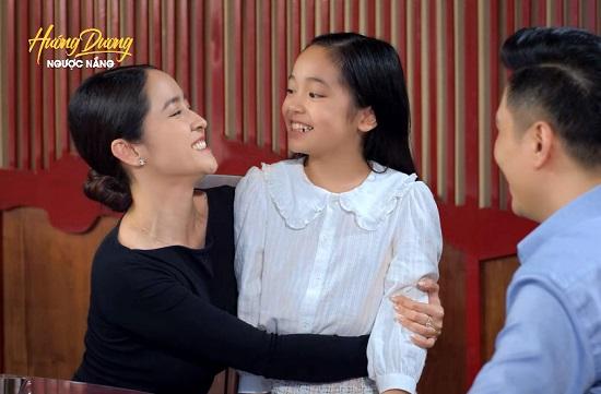 Hướng Dương Ngược Nắng tập 60: Mẹ bé Cami xuất hiện, rạng rỡ đoàn tụ cùng Hoàng  - Ảnh 1