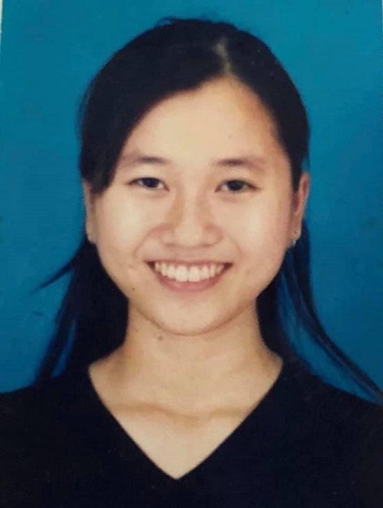 """Lâm Vỹ Dạ đăng tải ảnh thẻ năm 17 tuổi, cảm thấy trăn trở do cơ mặt """"trời sinh bất thường"""" - Ảnh 4"""