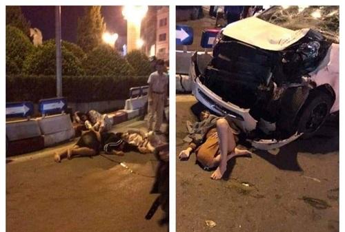 Hà Nội: Xe máy chở 4 người va chạm với ô tô, 3 người trọng thương  - Ảnh 1