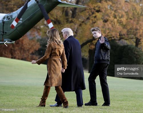 """""""Phát sốt"""" trước loạt ảnh cười hiếm hoi của """"Hoàng tử Nhà Trắng"""" Barron Trump - Ảnh 2"""