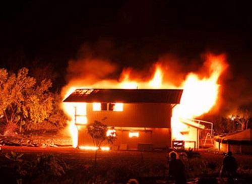 Quảng Ninh: Điều tra vụ vợ phóng hỏa đốt nhà để giết chồng rồi tự sát - Ảnh 1
