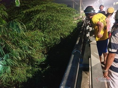 Bình Dương: Phát hiện thi thể hai thanh niên nằm úp mặt dưới gầm cầu - Ảnh 1