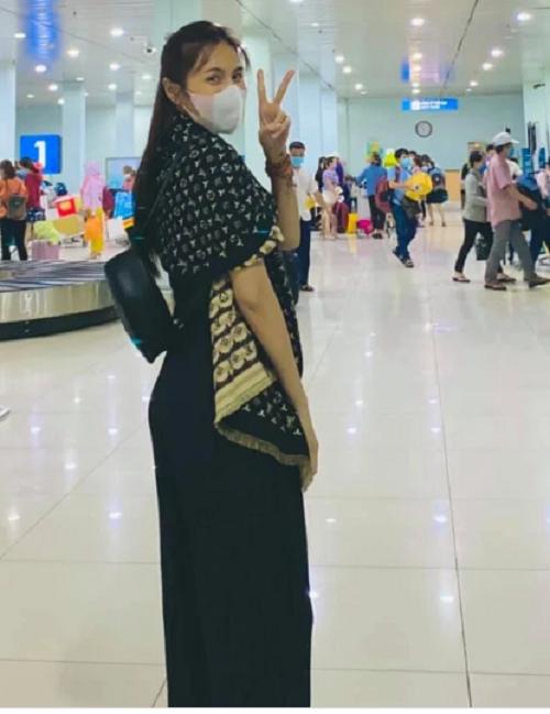 Buông lời mỉa mai, săm soi đồ Thủy Tiên mặc khi đi cứu trợ, nữ MC bị dân mạng chỉ trích dữ dội - Ảnh 2