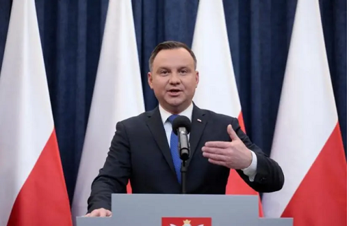 Tổng thống Ba Lan nhiễm COVID-19 - Ảnh 1