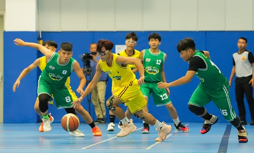 """Will - Cường Seven căng thẳng dõi theo trận đấu nghẹt thở của học trò trong """"Thần tượng bóng rổ"""" - Ảnh 1"""