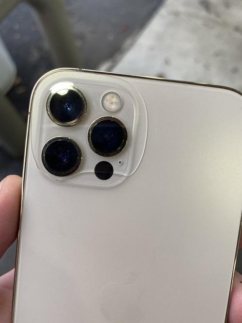 iPhone 12 bất ngờ bị tróc sơn, nứt kính chỉ sau vài ngày mở bán - Ảnh 2