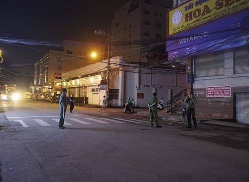 TP.HCM: Di tản hàng chục người khỏi khách sạn bất ngờ bốc cháy - Ảnh 2