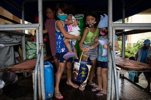 """Bão Vamco """"càn quét"""" qua Philippines, ít nhất một người thiệt mạng - Ảnh 2"""