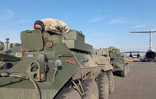 Nga điều thêm 18 máy bay chở lực lượng gìn giữ hòa bình tới Armenia - Ảnh 1