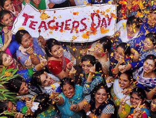 Ngày Nhà giáo ở các nước trên thế giới: Nơi tặng quà quá đặc biệt, nơi có hoạt động cực độc lạ - Ảnh 2