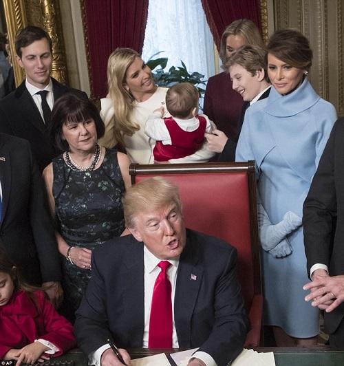 """Loạt ảnh """"Hoàng tử Nhà Trắng"""" Barron Trump, xứng danh """"tiểu soái ca"""" - Ảnh 8"""