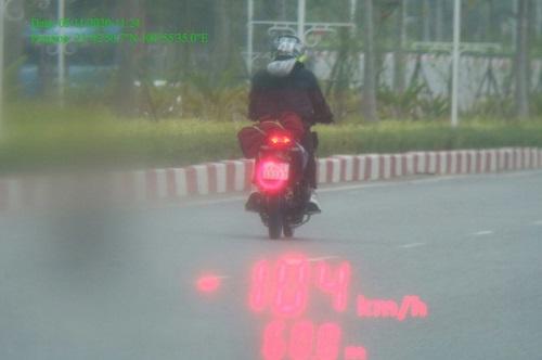Yên Bái: Xử lý đối tượng phóng xe máy tốc độ cao, bỏ chạy sau khi tông cảnh sát giao thông - Ảnh 1