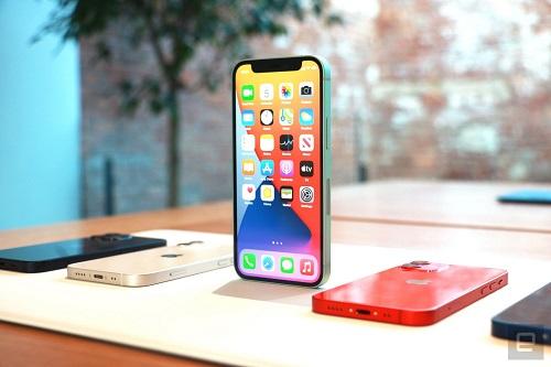 Cận cảnh bộ đôi iPhone 12 mini, iPhone 12 Pro Max: Kích thước đối lập, thiết kế tinh tế từng chi tiết - Ảnh 2