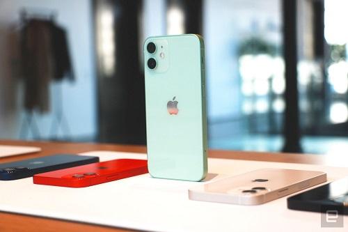 Cận cảnh bộ đôi iPhone 12 mini, iPhone 12 Pro Max: Kích thước đối lập, thiết kế tinh tế từng chi tiết - Ảnh 3