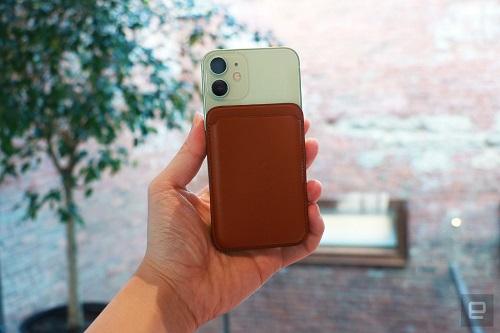 Cận cảnh bộ đôi iPhone 12 mini, iPhone 12 Pro Max: Kích thước đối lập, thiết kế tinh tế từng chi tiết - Ảnh 4