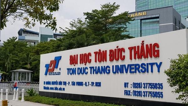 Trường đại học đầu tiên ở TP.HCM cho sinh viên nghỉ học tập trung phòng dịch COVID-19 - Ảnh 1