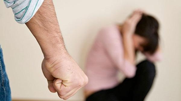 Xót xa người phụ nữ không thể li hôn dù bị chồng đánh suốt 40 năm - Ảnh 1