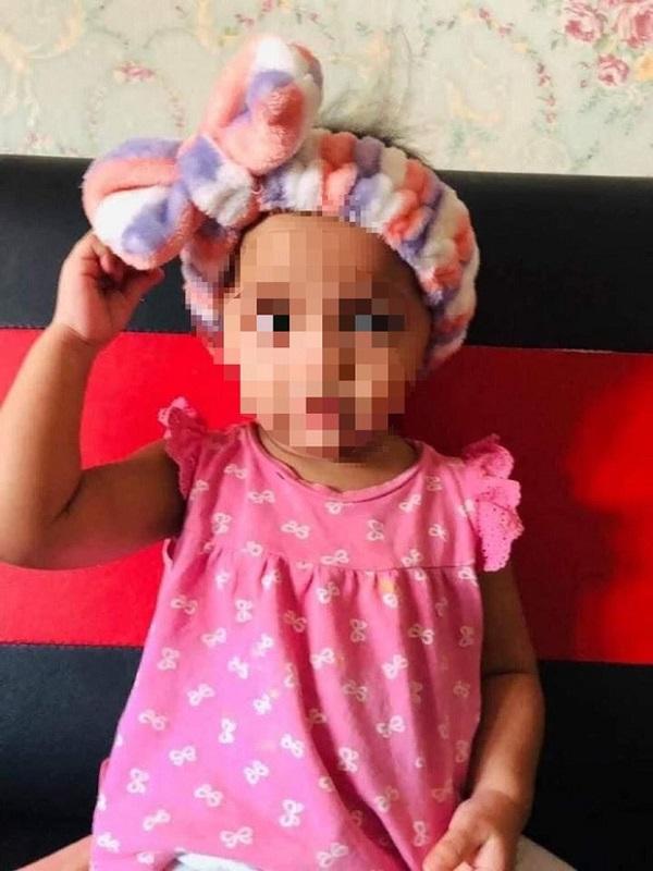 Phẫn nộ người cha đâm con gái ruột 18 tháng tuổi vì đau khổ sau ly hôn với vợ - Ảnh 2