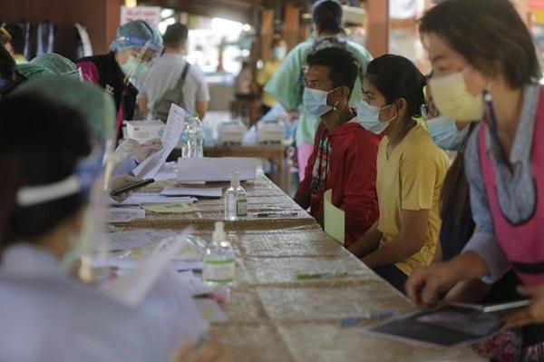 Thái Lan: 22 tỉnh thành ghi nhận ca mắc mới COVID-19 liên quan tới ổ dịch Samut Sakhon - Ảnh 1