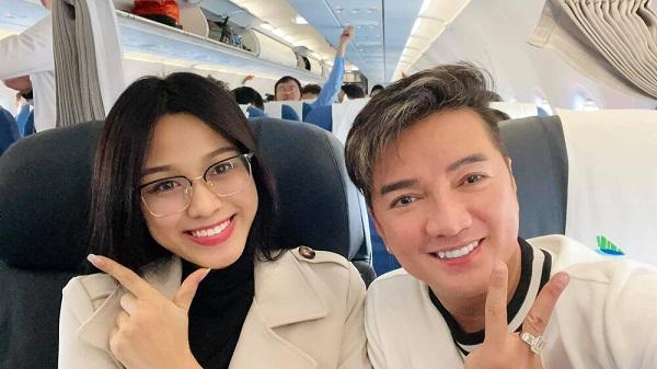 Đi cùng chuyến bay, ca sĩ Đàm Vĩnh Hưng không ngớt lời khen ngợi Hoa hậu Đỗ Thị Hà vì lý do này - Ảnh 1