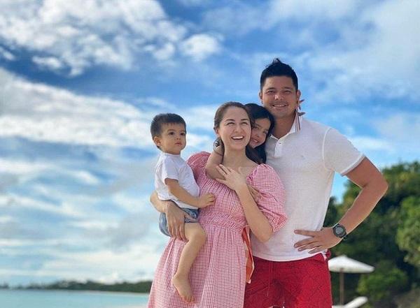 """Khoe ảnh du lịch cùng gia đình, """"mỹ nhân đẹp nhất Philippines"""" Marian Rivera """"đốn tim"""" dân mạng nhờ chi tiết đặc biệt - Ảnh 1"""