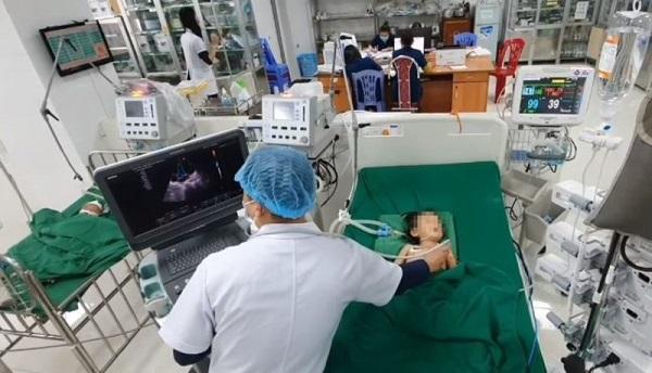 Nghệ An: Bé 32 tháng tuổi rơi vào hôn mê vì ngộ độc thuốc diệt chuột - Ảnh 1