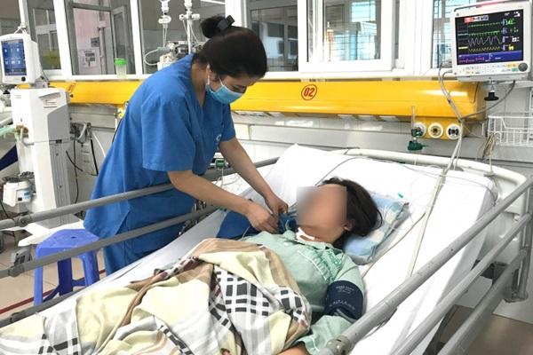 Cứu người phụ nữ nguy kịch vì uống 60 viên thuốc hạ huyết áp một lần - Ảnh 1