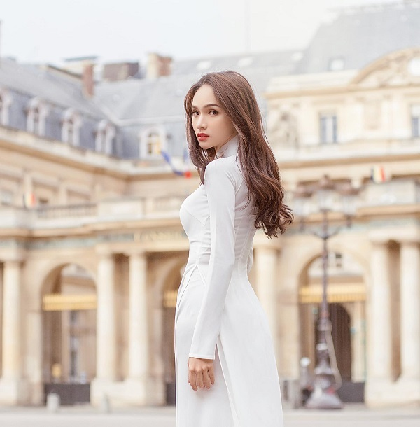 Fan Việt nức lòng trước bộ ảnh áo dài trắng tại kinh đô thời trang Paris của Hoa hậu Hương Giang - Ảnh 4