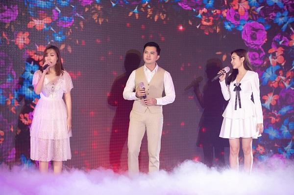 Sau đêm nhạc gây quỹ, đạo diễn Hoàng Nhật Nam gửi gần 6 tỷ đồng ủng hộ Đà Nẵng - Quảng Nam - Ảnh 1