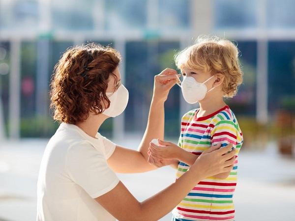 Khuyến cáo của WHO về độ tuổi đeo khẩu trang phòng tránh COVID-19 cho trẻ em - Ảnh 1
