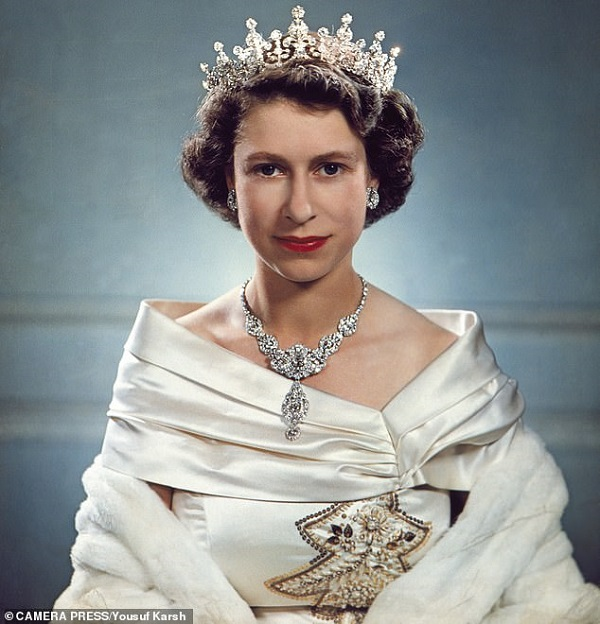 Lạ đời vị quốc vương giàu nhất lịch sử, sở hữu khối tài sản kếch xù nhưng sống tằn tiện đến khó hiểu, mỗi tuần chỉ tiêu đúng 30.000 đồng - Ảnh 3