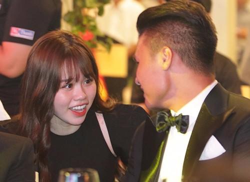 Tung clip cực đáng yêu về Quang Hải, Huỳnh Anh đang ngầm khoe tình cảm ngày càng ngọt sau ồn ào? - Ảnh 1
