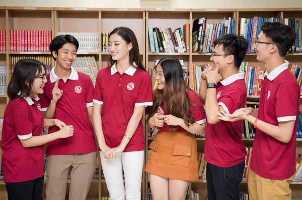 Hoa hậu Lương Thùy Linh giới thiệu những địa điểm sống ảo tại Đại học Ngoại thương - Ảnh 2