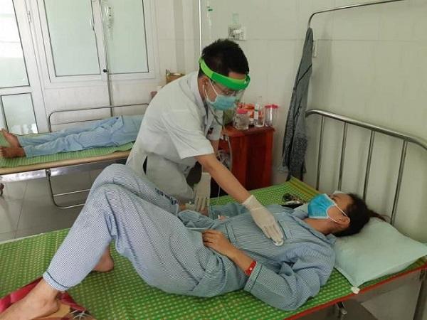 Thêm 3 người ở Quảng Nam bị ngộ độc do ăn pate Minh Chay - Ảnh 1