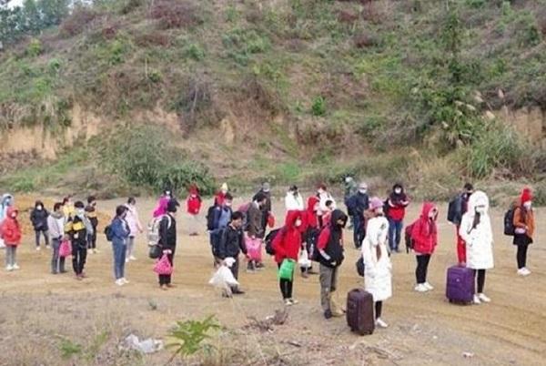 Lạng Sơn: Tạm giữ 37 người nhập cảnh trái phép từ Trung Quốc - Ảnh 1