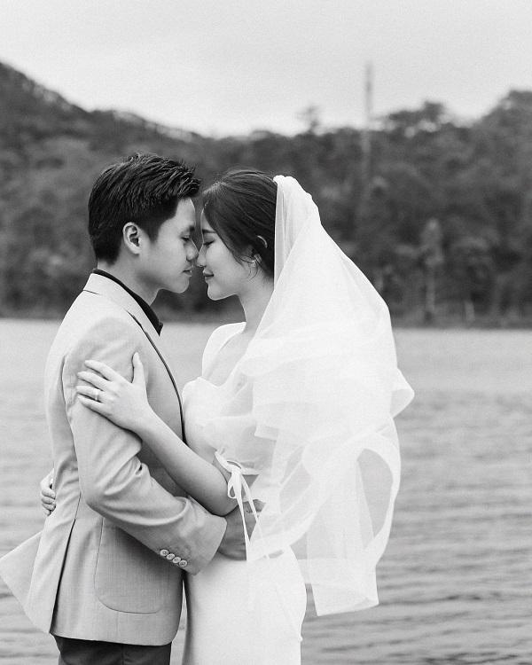 """Tự mình khoe thiệp cưới nhưng nhất quyết không hé lộ điều này, Phan Thành khiến dân mạng tò mò """"muốn xỉu"""" - Ảnh 4"""