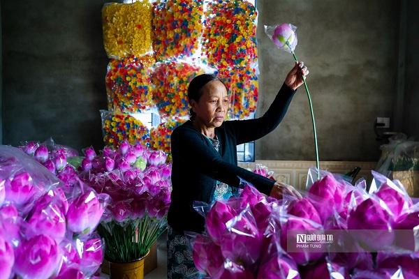 Nhộn nhịp không khí Tết tại làng hoa giấy hơn 300 tuổi - Ảnh 2