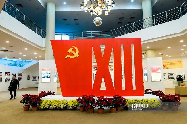 """Triển lãm """"Đảng ta thật là vĩ đại"""" chào mừng Đại hội XIII của Đảng - Ảnh 1"""