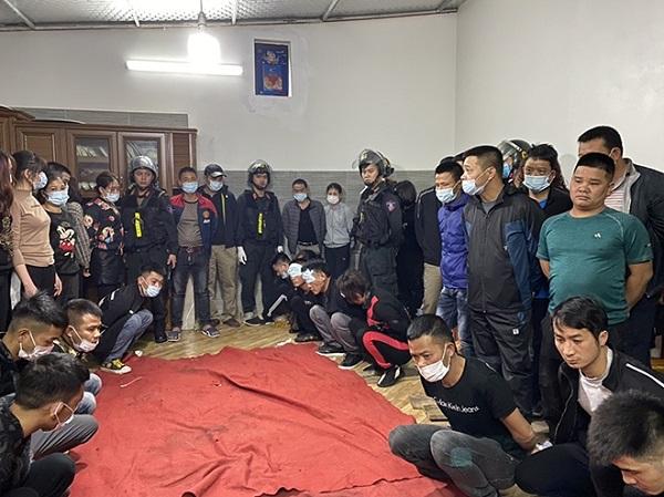 Triệt phá sới bạc tinh vi ở Lạng Sơn, bắt giữ 42 đối tượng - Ảnh 1