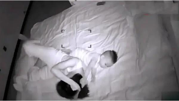 Vợ sinh con xong hờ hững hẳn với chồng, người đàn ông sinh nghi lắp camera theo dõi rồi ứa nước mắt - Ảnh 1